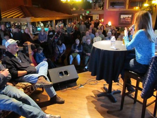 635852571076087228-Turnbull-audience.JPG