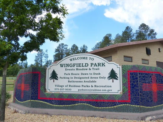 wingfield park sign