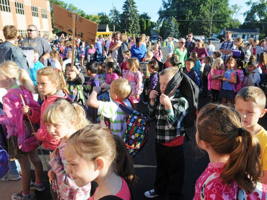 -OSH 0903 First Day Of School 34 AJ.jpg_20130903.jpg