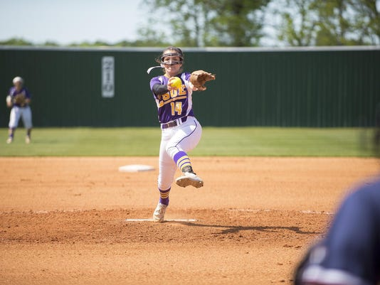 20170405-LSUE-Softball-Abigal-Leonards