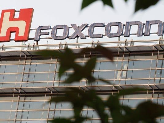 636364380063427524-foxconn-logo.jpg