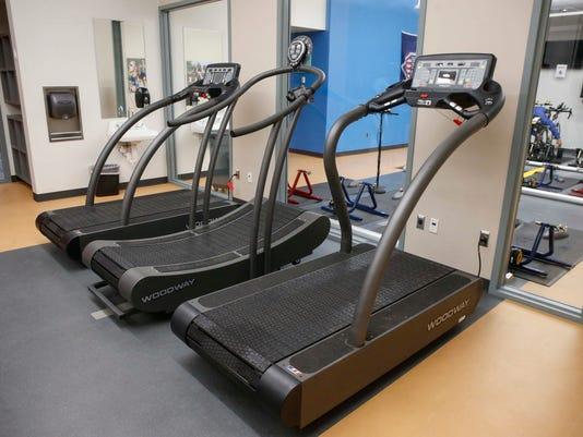 636268317881451611-Curved-treadmill-Wellmark-YMCA.jpg