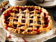 What Pie Should You Bake This Thanksgiving?