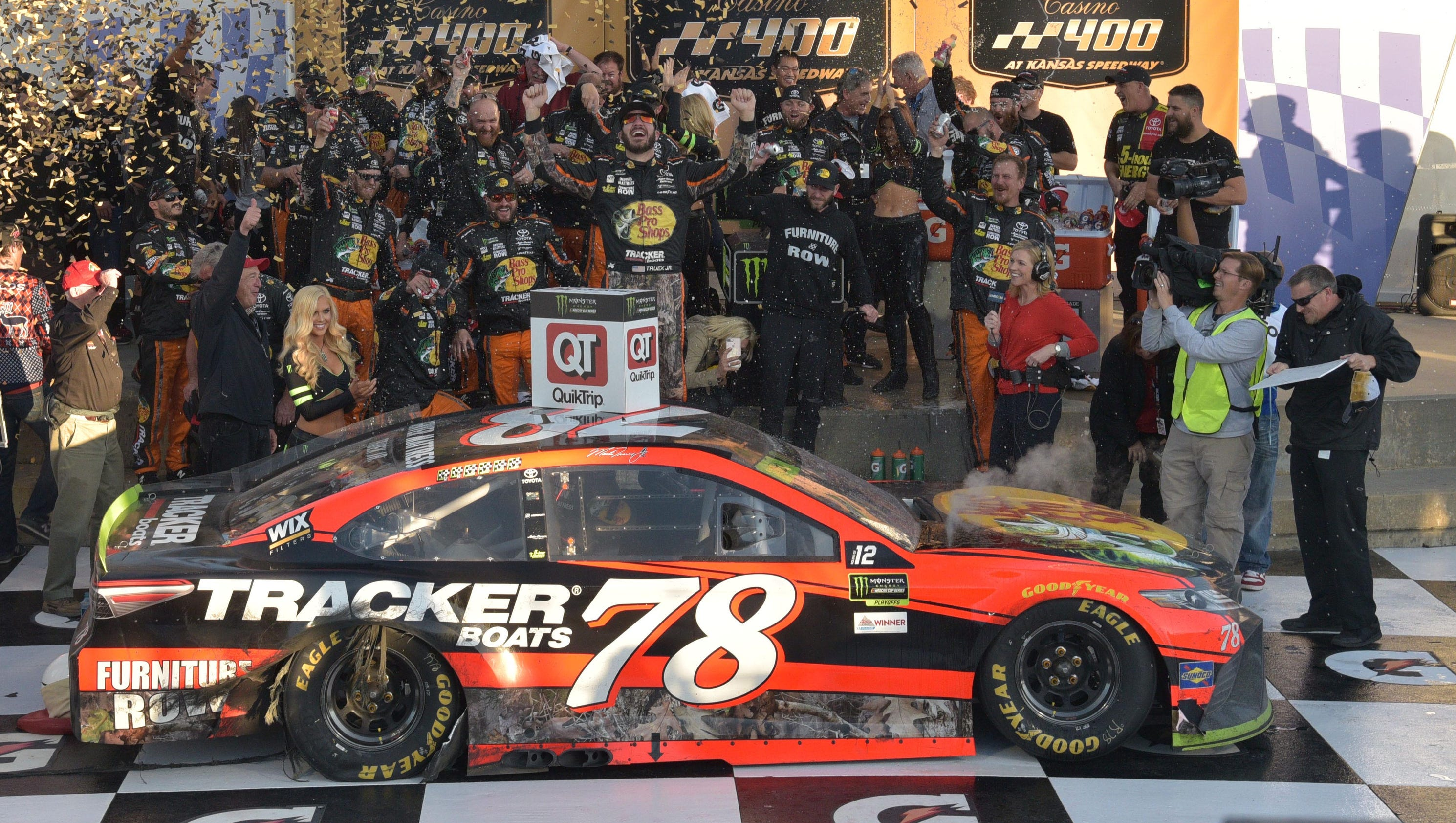 Racing Calendar May : What time does the nascar cup race at kansas start