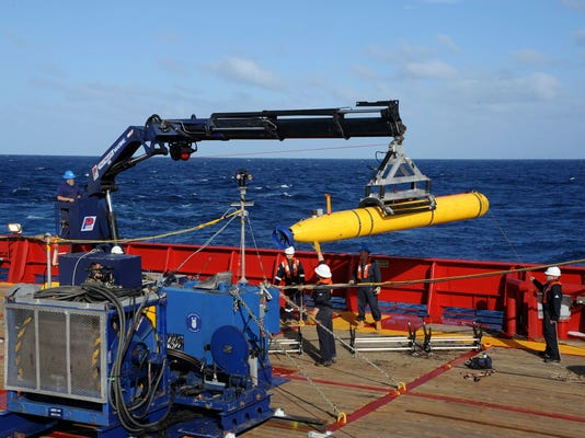 Robot sub to extend search area for missing plane