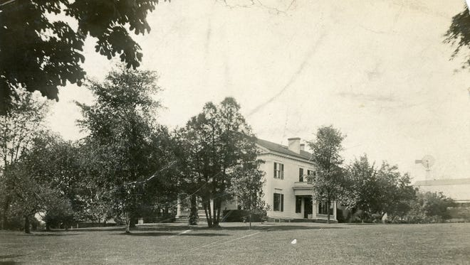 The Henry Fellows Sr. House, as it appeared circa 1900.