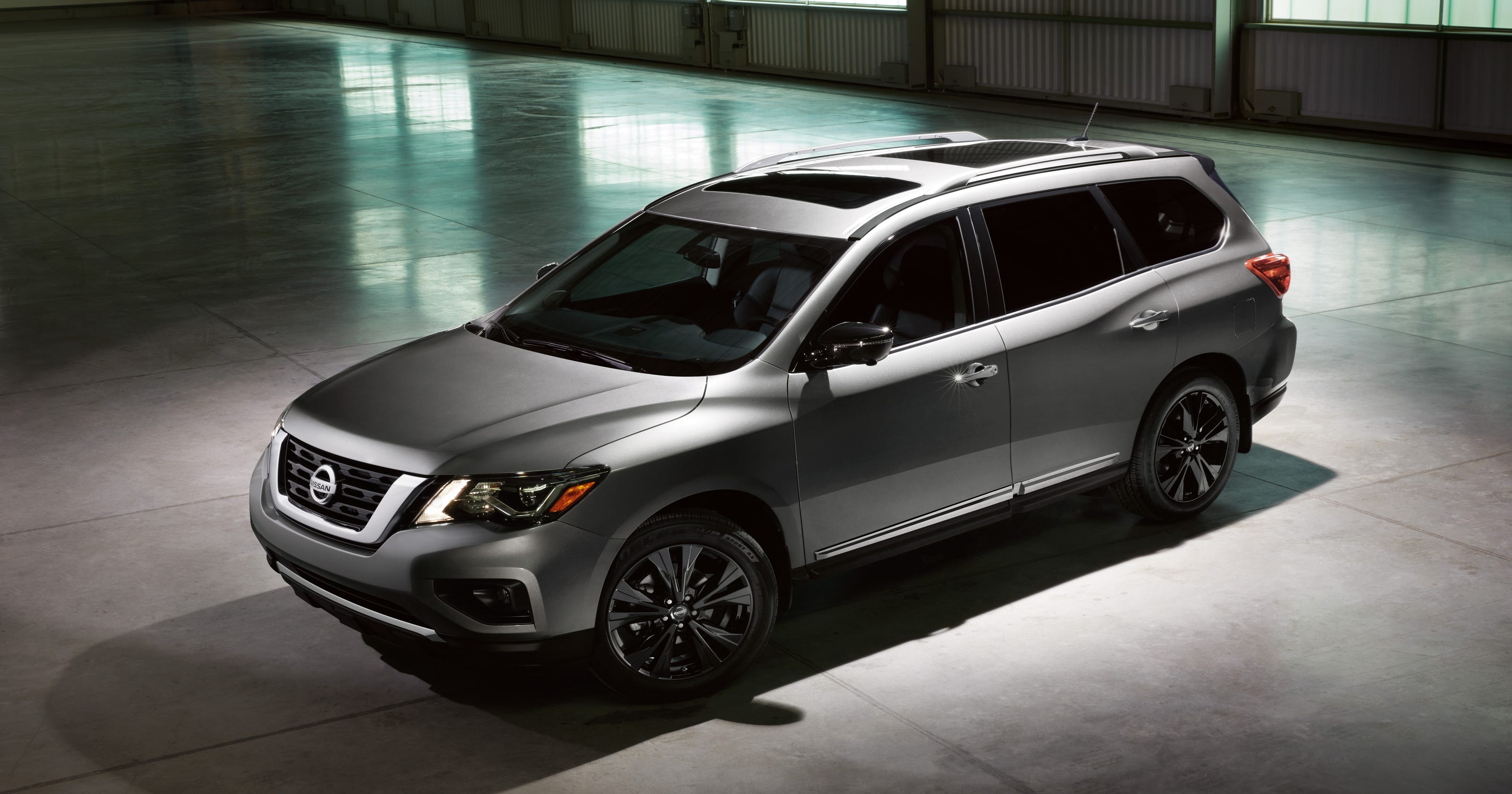 2018 nissan rogue midnight edition gunmetal