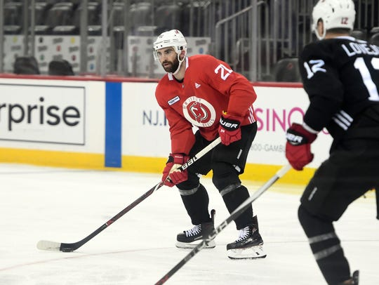 New Jersey Devils right wing Kyle Palmieri (21) during