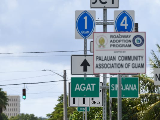 636488038380154048-road-signs-02.jpg