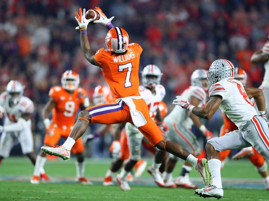 Clemson Tigers wide receiver Mike Williams (7) catches a pass against the Ohio State Buckeyes in the the 2016 CFP semifinal at University of Phoenix Stadium on Dec. 31, 2016.