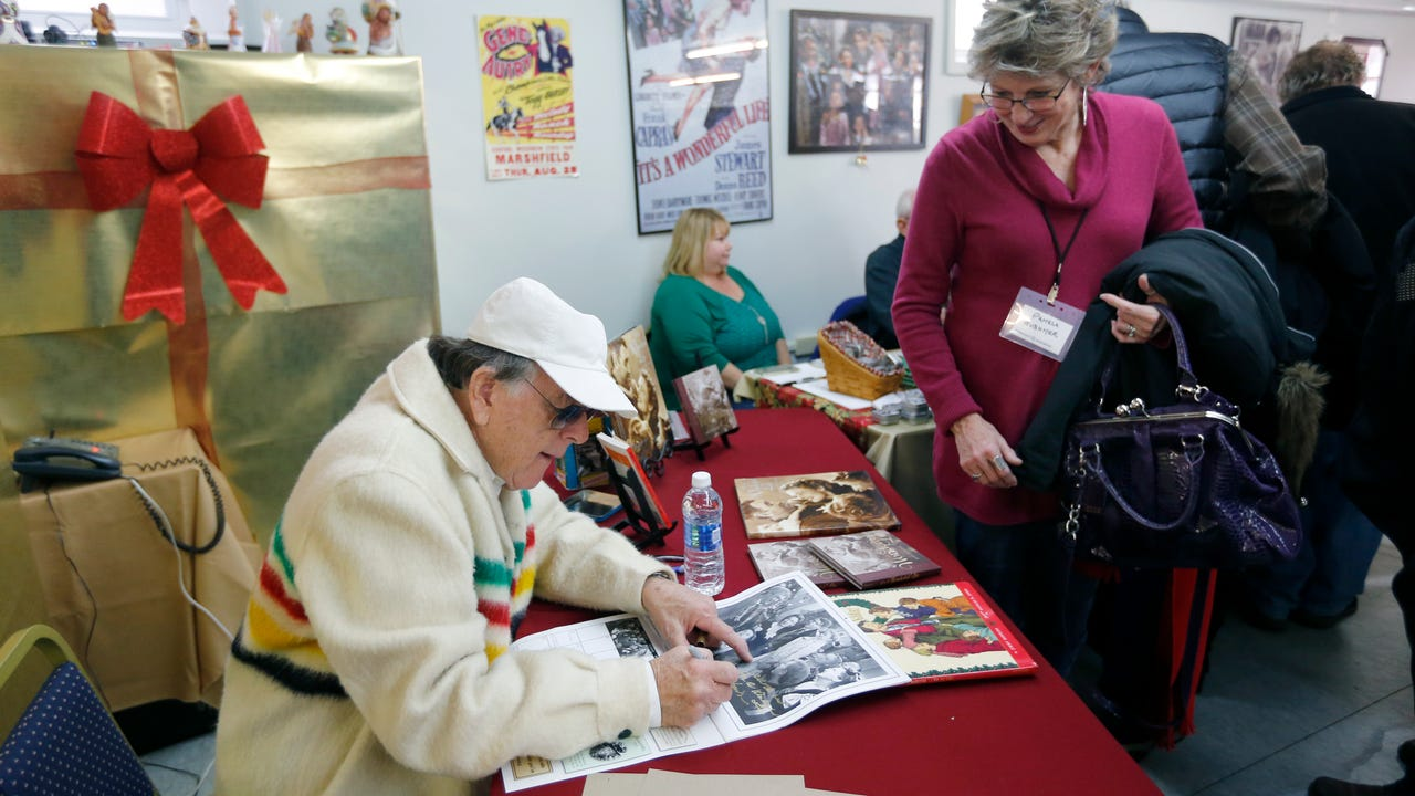 It's a Wonderful Life Festival attracts fans nationwide