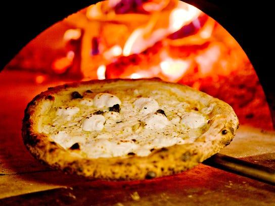 PNI 0706 seftel top 10 pizza 06.JPG