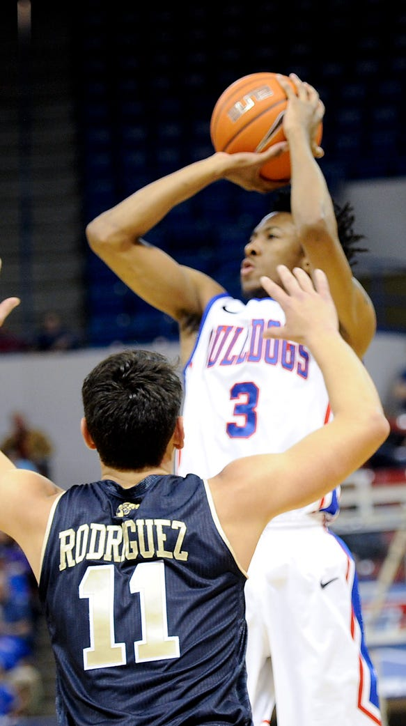 Louisiana Tech maintained its hold of first place in