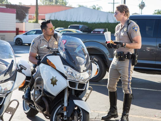 Michael Peña, left, and Dax Shepard rock the tight