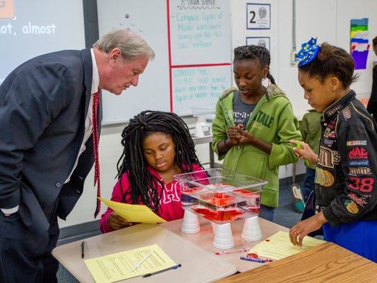 FSU President John Thrasher co-teaches a science class
