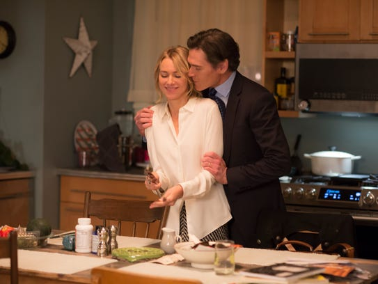 Naomi Watts as Jean and Billy Crudup as Michael in