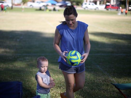 Desert Flipper TV host Lindsey Bennett with her son