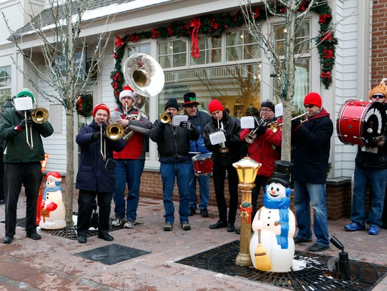 The Dixie Dandies perform during Frosty Day, Nov. 29,