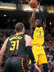 Indiana Pacers guard Darren Collison (2) shoots over