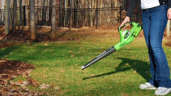This battery-included cordless blower is on sale