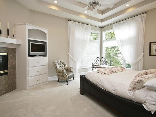 A bedroom at 10836 Indian Beach Road in Spicer.