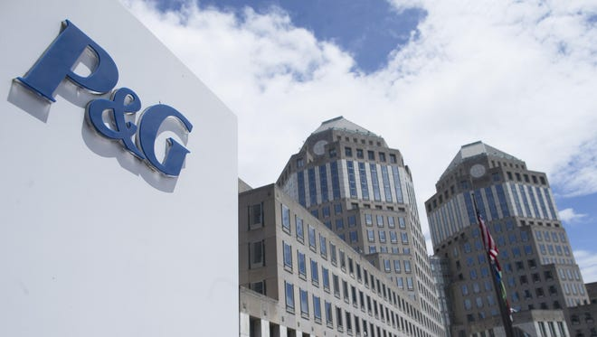 Investor pressure on Proctor & Gamble to split into two companies is increasing as the company struggles to boost sales.