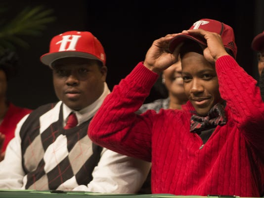 Signing Day Carver