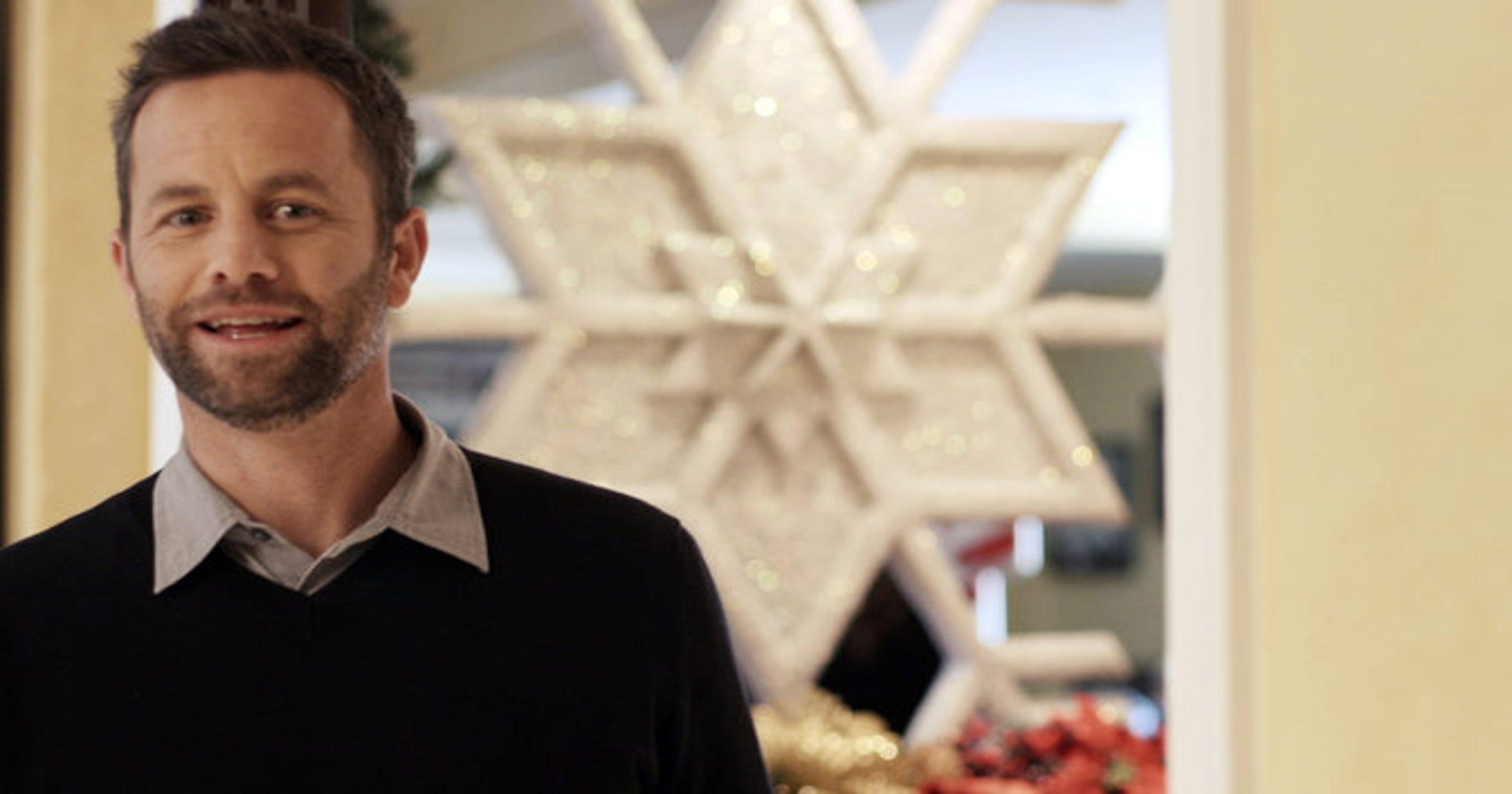 Review: Earnest \'Saving Christmas\' leaves logic behind