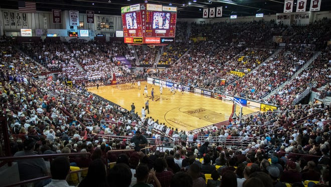 A sell out crowd of 12,989 packed the Pan American Center Saturday night to watch the NMSU Aggies grind out a win over the Grand Canyon Lopes 74-70.
