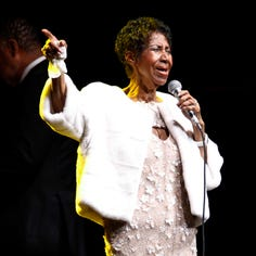 Aretha Franklin is seriously ill and resting at her Detroit home, sources say