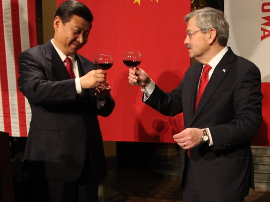Gov. Terry Branstad, right, and China's then-Vice President