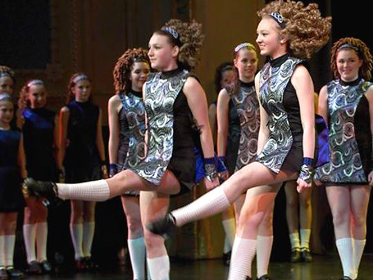 The St. Paul Irish Dancers perform with Ring of Kerry.
