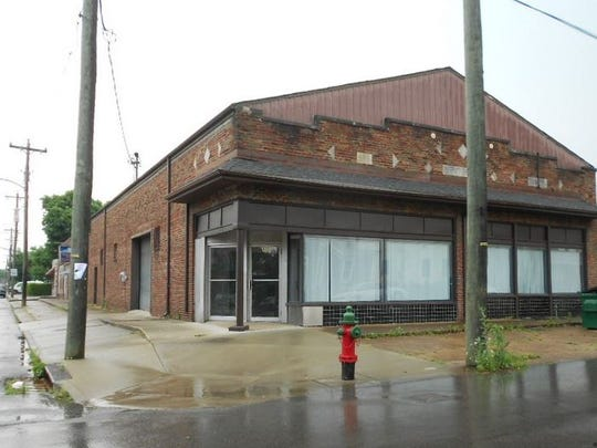 The property at 823 Meridian St. includes this 3,652 square foot building.