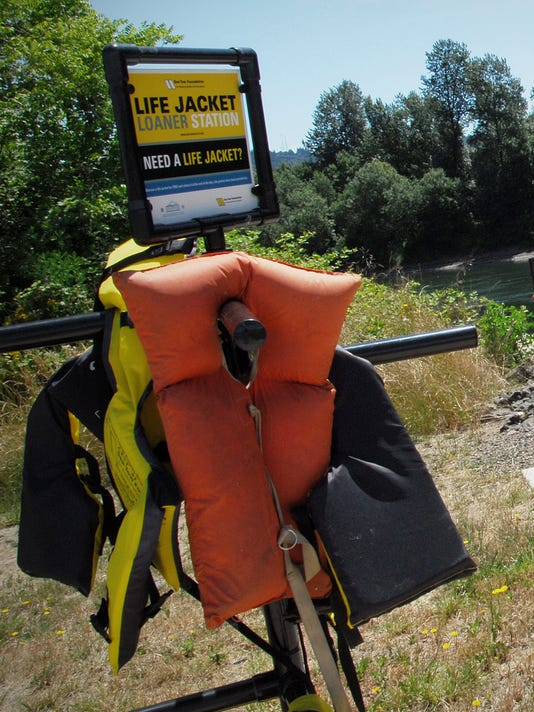 SAL Life jacket contest