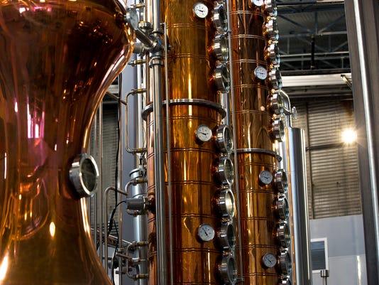 636547291931238017-020918-State-Line-Distillery-01.jpg