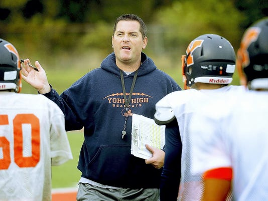 Shawn Heinold won't reapply for the head varsity football coaching position at York High. He went 17-44 in six seasons with the program, including an 0-10 mark in 2015.