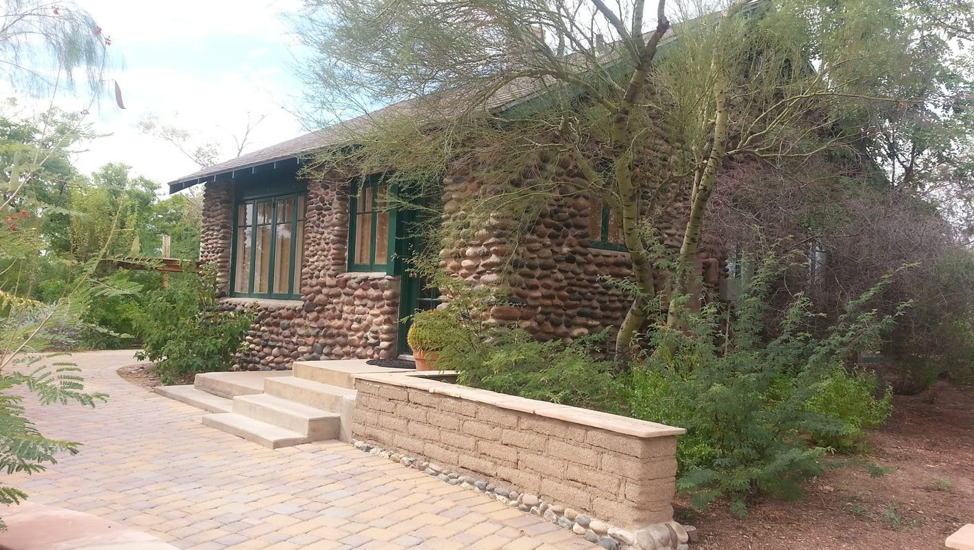Phoenix Zoos House On Hill Has Historic Significance