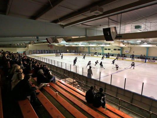 APC LEAD AppUnited_FC stars hockey 121314_rbp574.jpg