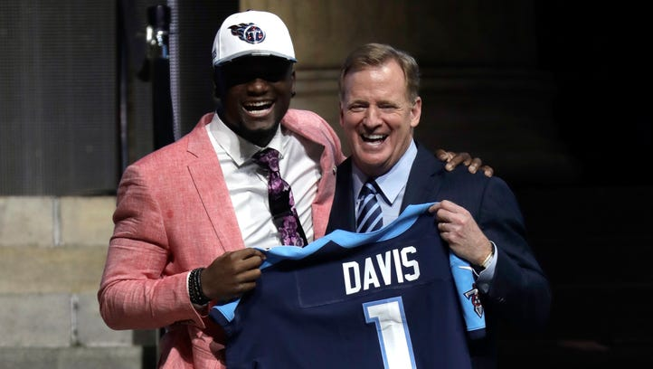 Titans welcome Corey Davis, Adoree Jackson via Twitter