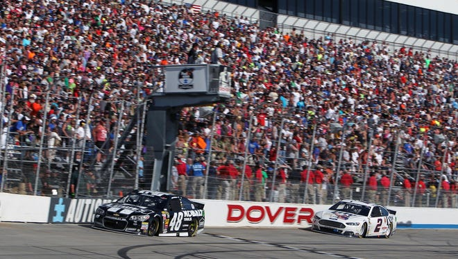 In 2012, the estimated crowds at Dover International Speedway for its two Sprint Cup races were 85,000 per event.