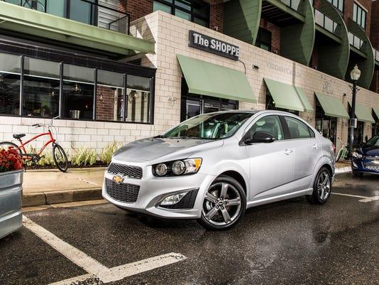 2015-Chevrolet-SonicRS-023_200