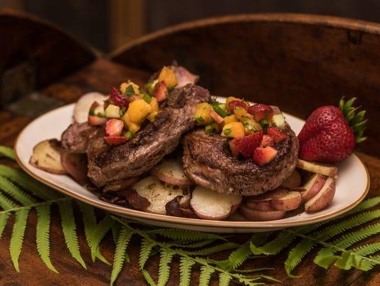 635999506074629638-Johnson-Cindy-steaks.jpg