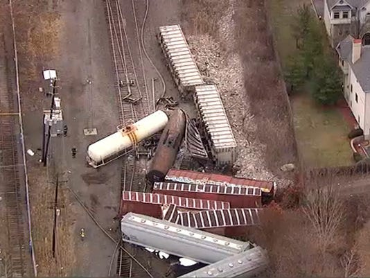 636483511977068791-Freight-Train-Derails-njha.jpg