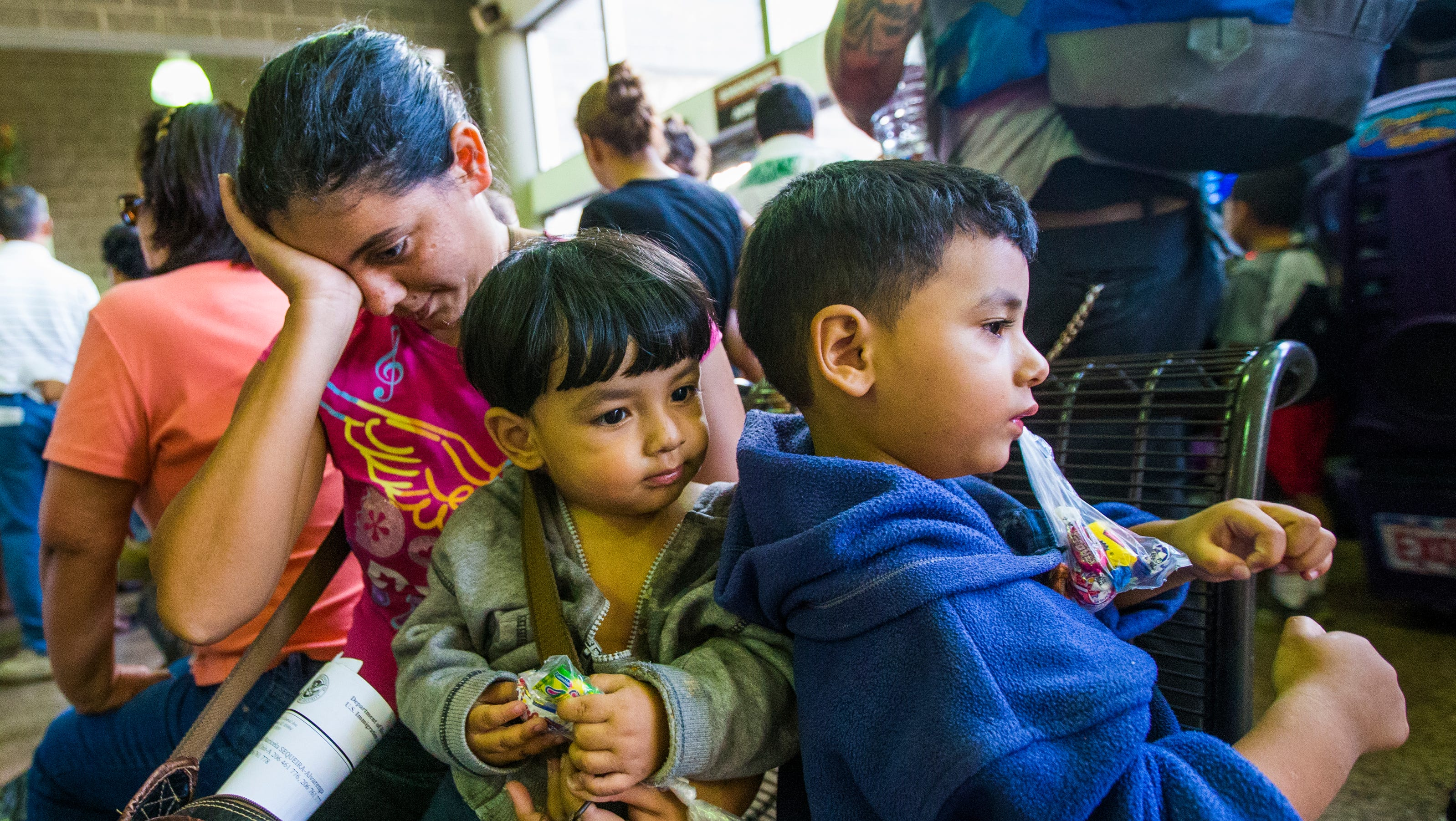 Perry To Feds Send Child Immigrants Back Home