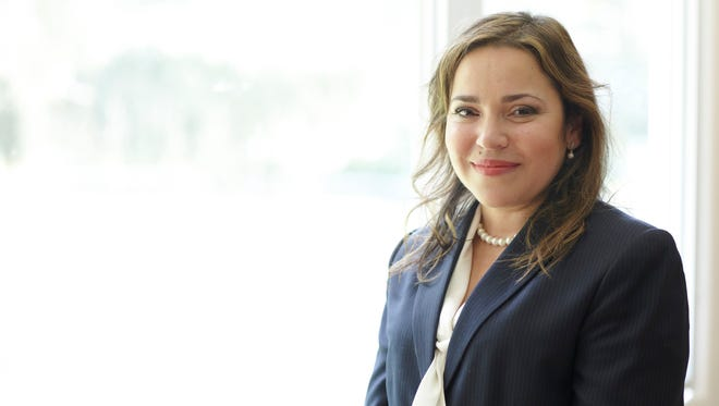 """Bellaria Jimenez, managing partner of MetLife Solutions Group, received recognition from the El Diario publication as a 2016 """"Prominent Woman."""""""