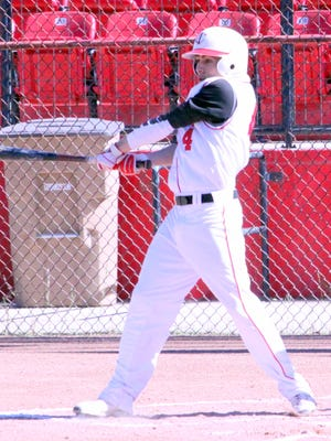 Cobre's Eric Morales was 1-for-4, with two RBIs in the first game and went three and one thirds of an inning on the mound. He allowed five hits, while giving up four runs and striking out three. He also walked two batters.