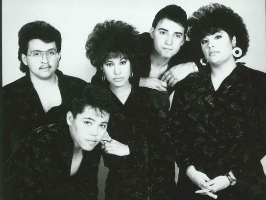 Selena y Los Dinos, publicity photo received 1987
