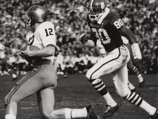 Michigan State Spartans linebacker (90) George Webster