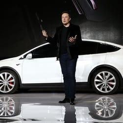 Elon musk calls Apple A 'Tesla Graveyard'