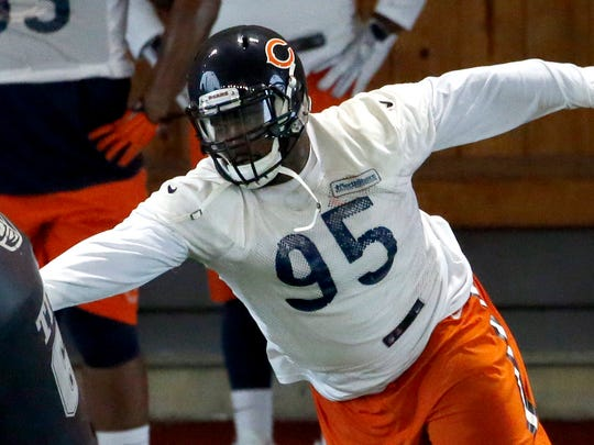 Chicago Bears defensive lineman Ego Ferguson works on the field during NFL football practice, Wednesday, June 1, 2016, in Lake Forest, Ill.